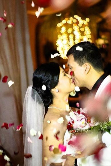 wedding, rose petals, kiss the bride, jeff and ryan