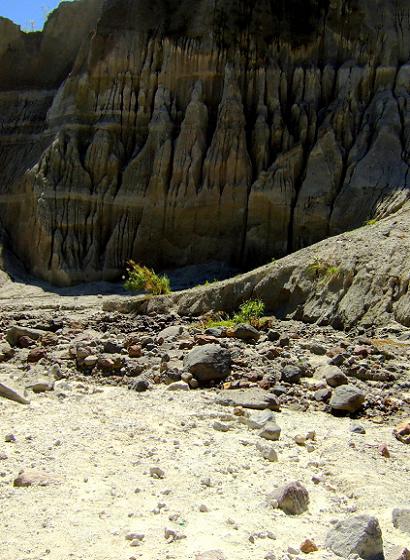 barren, arid, dry, ashfall, mt. pinatubo, trek
