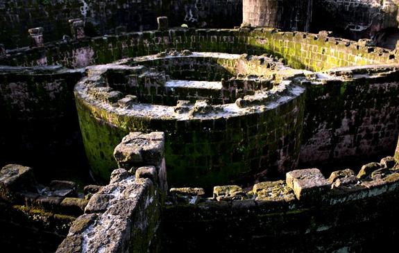 maze, Intramuros, walls, Baluarte de San Diego, Manila