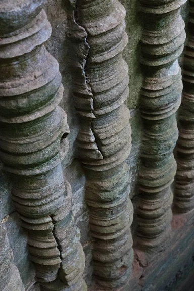 crack, siem reap, cambodia, pottery
