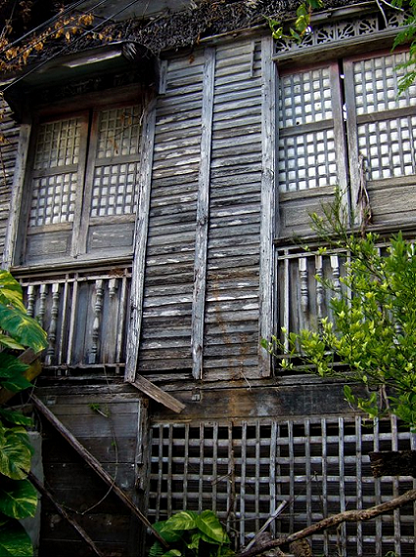 kubo, nipa hut, capiz shells, closed windows, old house