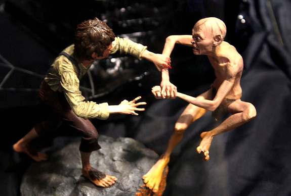 frodo, gollum, action figure, lotr, lord of the rings
