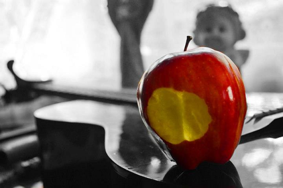 red apple, snow white, fairy tale